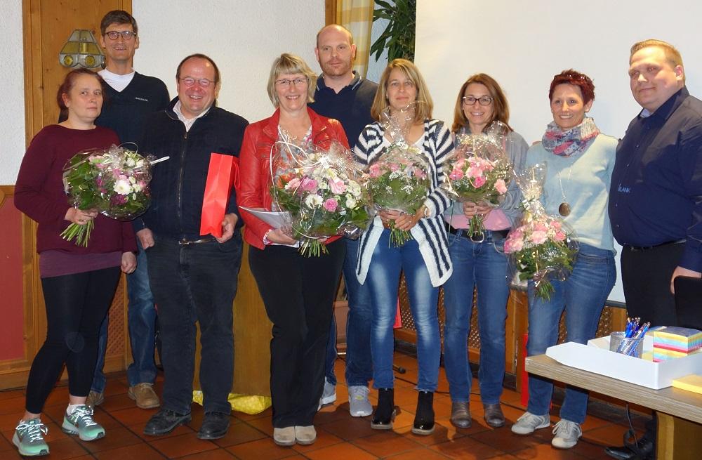 J. Hägler ehrte einige Mitglieder die sich in den letzten Jahren besonders für den Verein engagiert haben